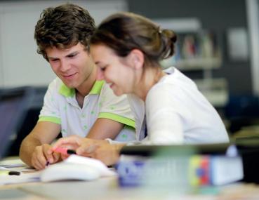 Acquérir une double compétence en droit et management rendu possible à l'EDHEC Business School