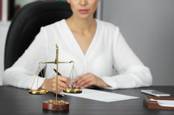 Avocat ou avocate, mesdames il vous faut choisir !