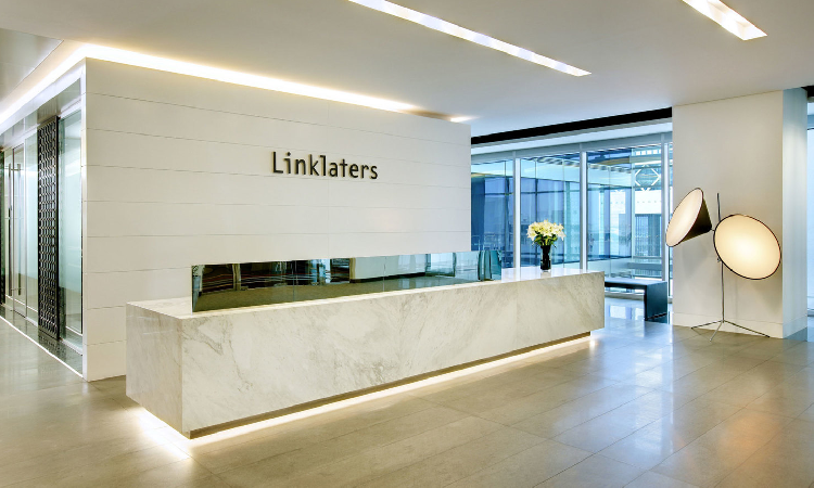 Linklaters annonce la nomination de trois counsel à Paris