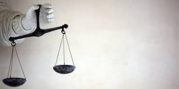 Qui sont les braconniers du droit ?