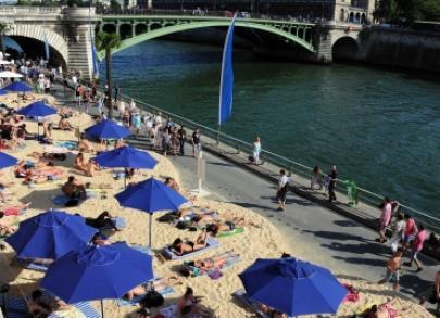 Bronzette et consultation juridique gratuite : Paris Plages lie l'utile à l'agréable