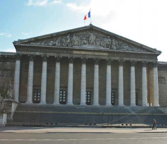 L'Assemblée nationale refuse l'accès à l'avocat du dossier de son client durant sa garde à vue