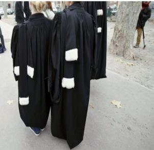 Vers la consécration de la vision marchande de la profession d'avocat ?