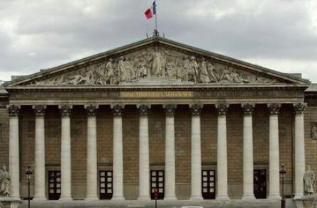 La proposition de loi tendant au développement, à l'encadrement des stages et à l'amélioration du statut des stagiaires votée à l'Assemblée Nationale