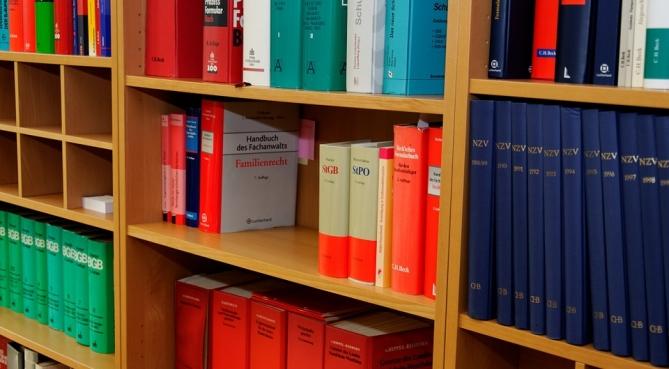 Cabinets d'avocats : les transferts d'associés en hausse de 5 % par rapport à 2014
