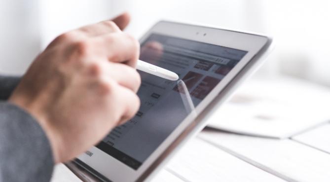 La nouvelle plateforme de consultation en ligne pour les avocats se précise