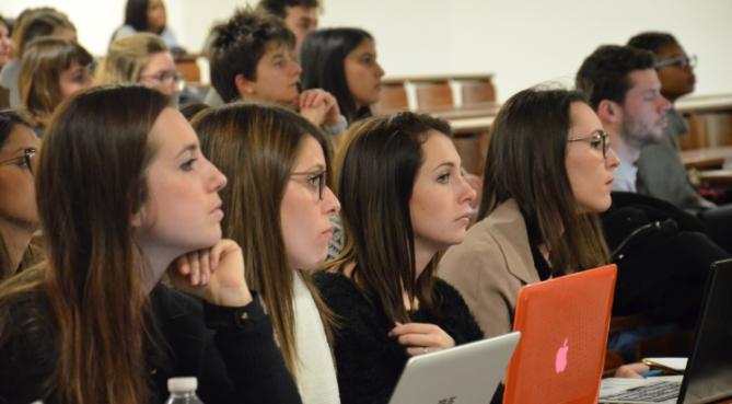 Les directeurs juridiques au contact des étudiants