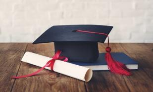 Etudiants titulaires d'une licence : l'Université doit vous informer sur les perspectives qui vous sont offertes